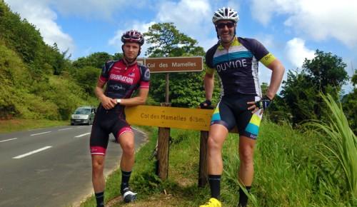 Andy-Climbing-Col-Des-Mamelles