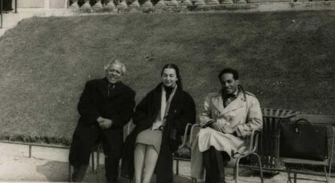 Nicolas Guillen, René Depestre et son épouse à Paris en 1956