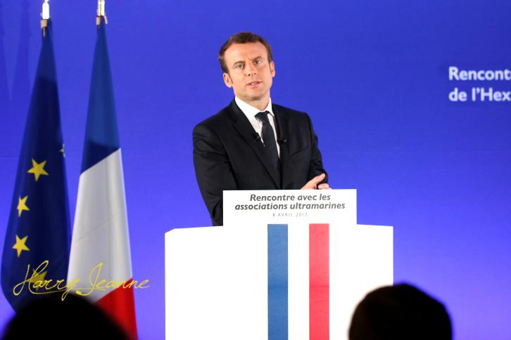 Macron-Outremer1