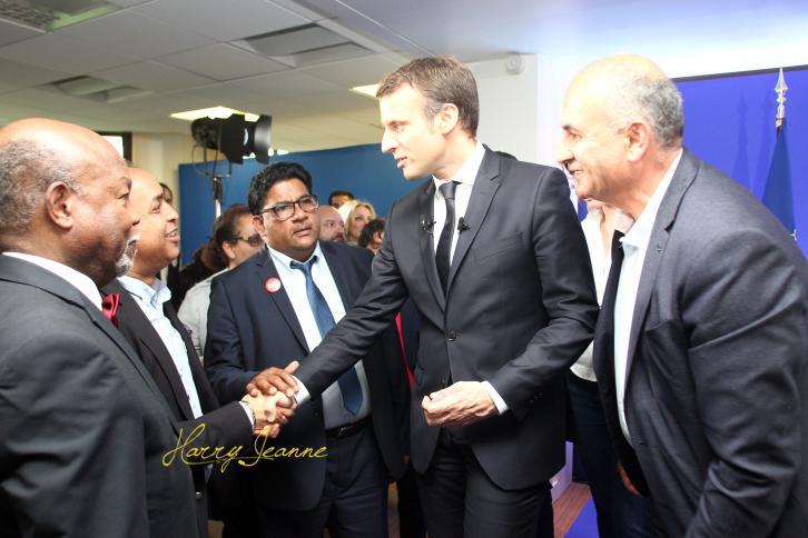 Macron-Outremer2