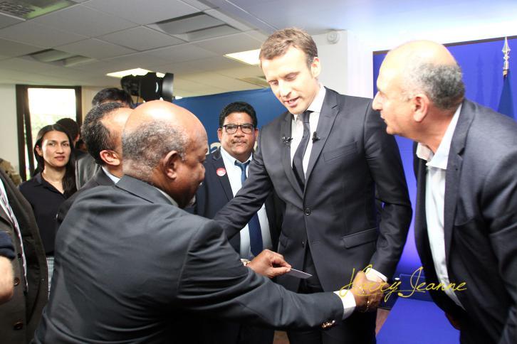 Macron-Outremer3